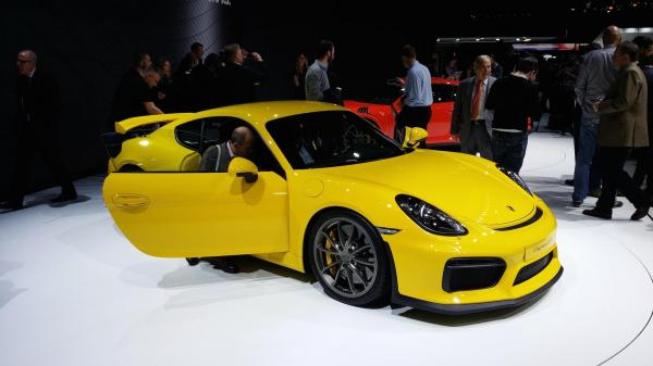 Porsche 911 Cayman GT4 Photo Flat 6 Magazine