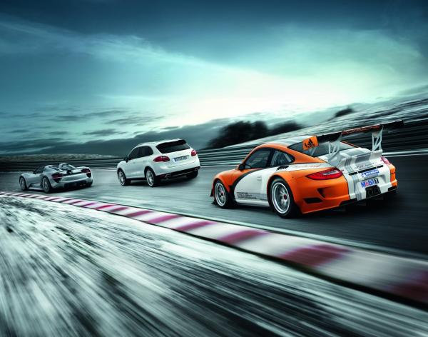 Porsche 918 Spyder, Cayenne S Hybrid et 911 GT3 R Hybrid