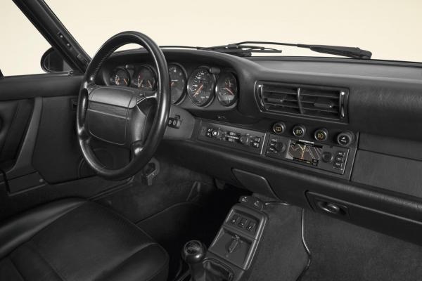 Porsche Classic Navigation dans une 964