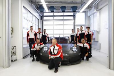 Porsche 911 gte 2017 1
