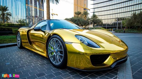 Porsche 918 Spyder Gold