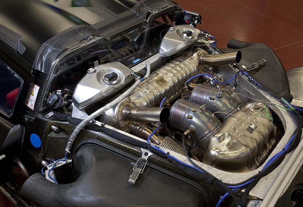 Porsche 918 spyder 4l6 v8 petrol engine