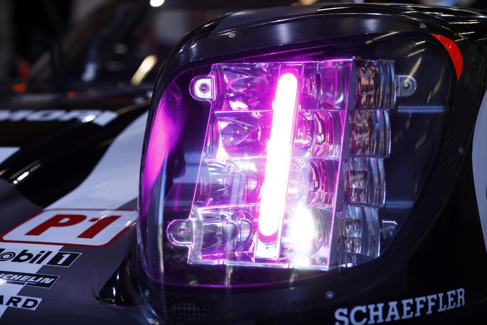 Porsche 919 hybrid new headlights