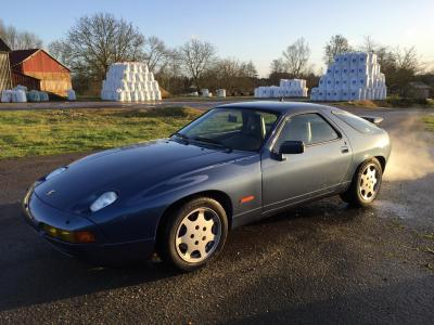 Porsche 928 CS (photo Stéphane Van Gelder)