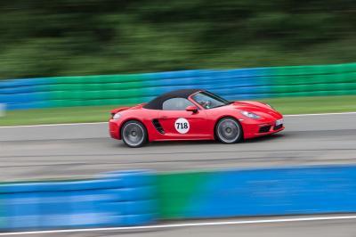 Porsche distribution roadshow itw 12