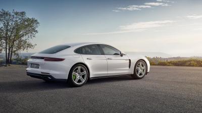 Porsche panamera 4 e hybrid 1