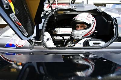 Porsche team romain dumas