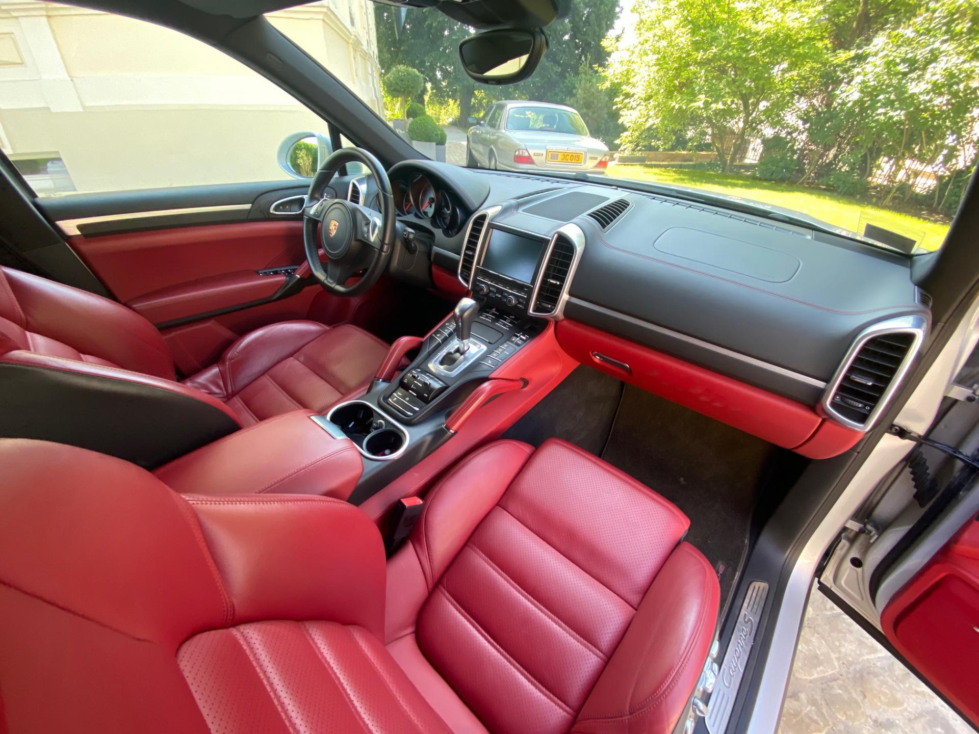 Porsche Cayenne S Diesel (Cayenne)