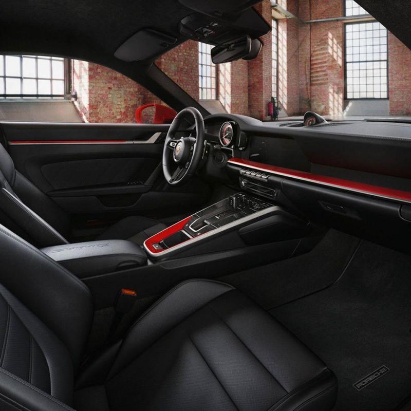 Intérieur Porsche 992 TUrbo S sièges sport