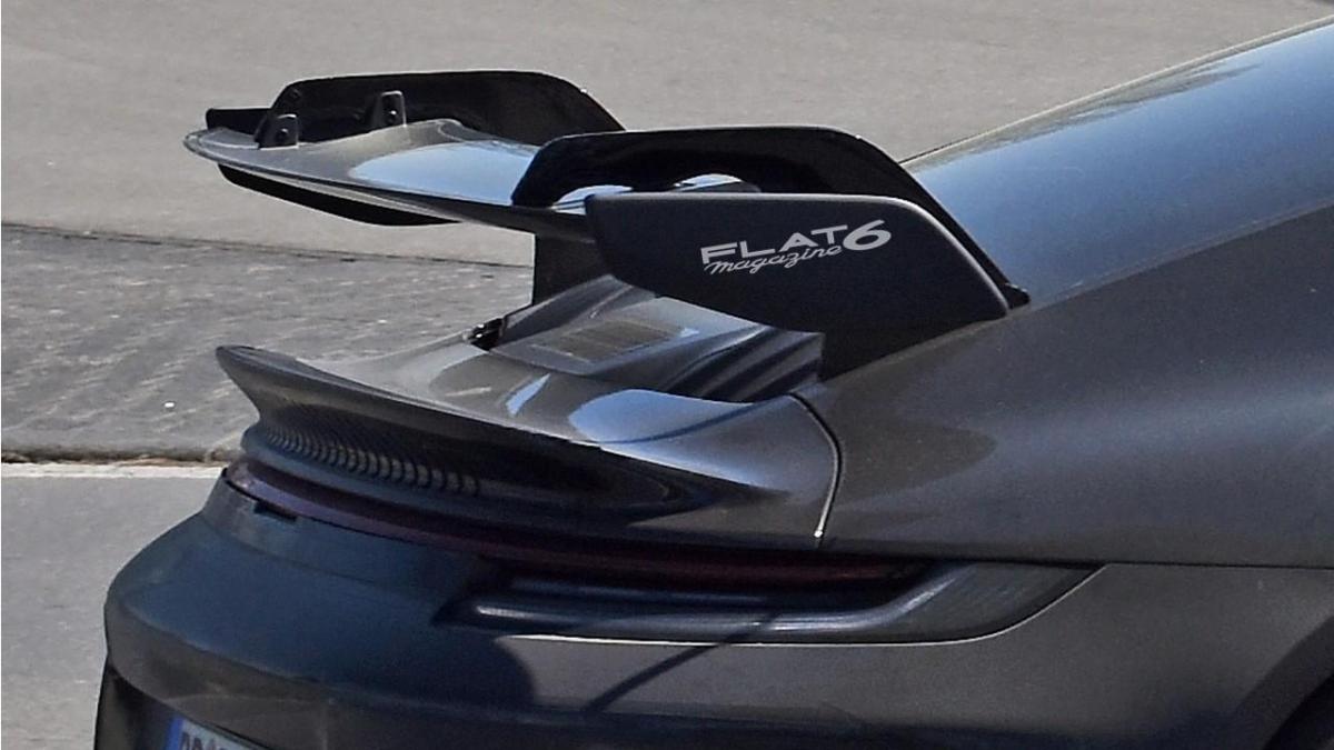 Aileron arrière Porsche 911 type 992 GT3