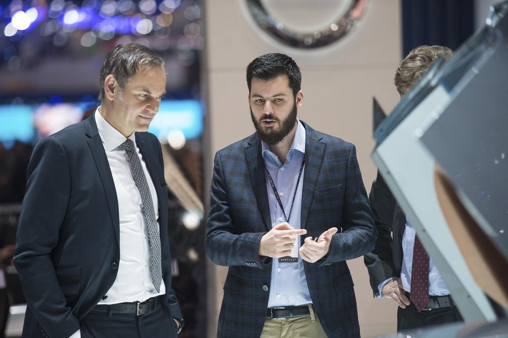 Oliver Blume, PDG et Porsche, et Mate Rimac, le PDG de Rimac.