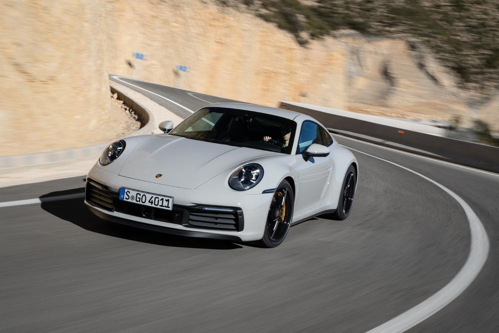 Porsche 992 carrera craie