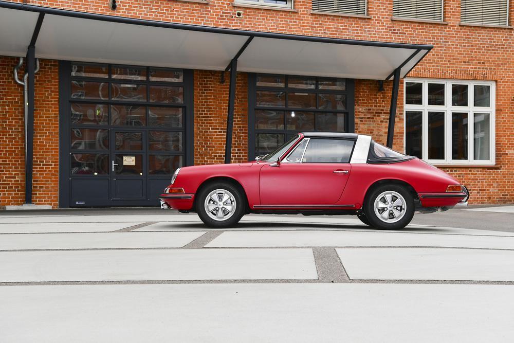 Porsche 911 targa rouge