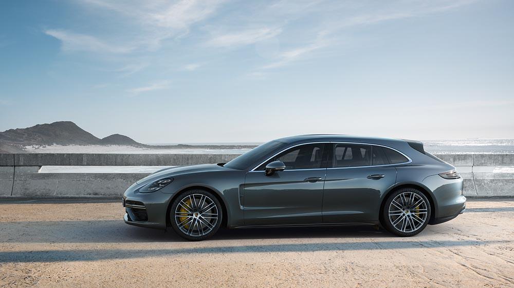 Porsche panamera turbo sport turismo side