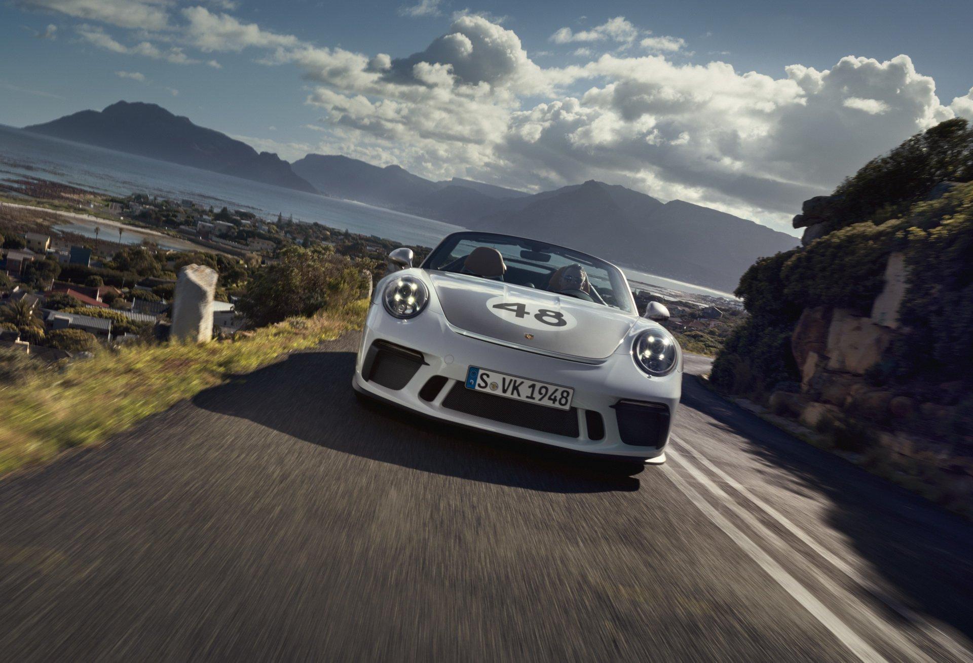 A612af8c 2020 porsche 911 speedster heritage design 3