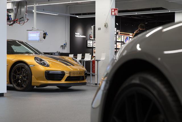 Porsche 911 turbo s exclusive series 2