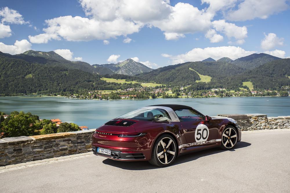 Porsche 992 targa heritage design edition