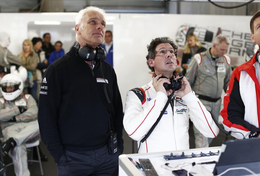 Matthias mueller pdg porsche et dr frank steffen walliser patron du motorsport