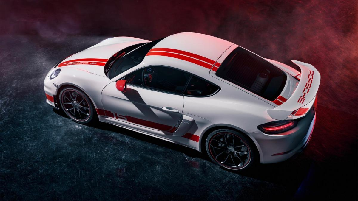 High 718 cayman gt4 sports cup edition 2019 porsche ag