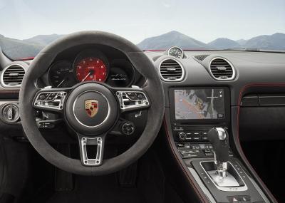 Porsche 718 boxster gts inside