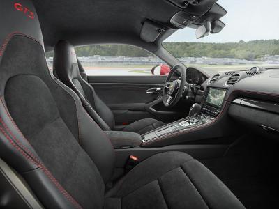 Porsche 718 cayman gts inside