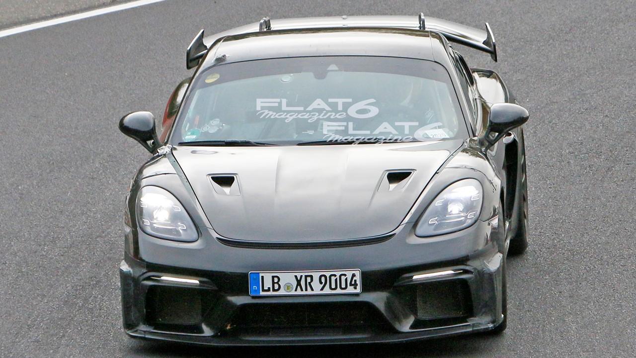 Porsche 718 cyman gt4 rs 4