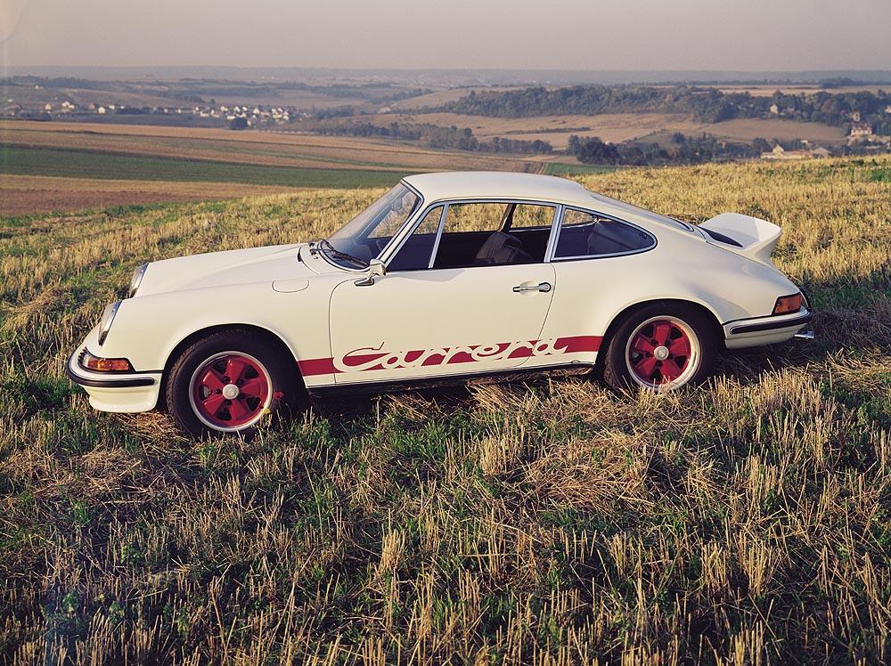 Porsche 911 carrera rs blanc rouge profil