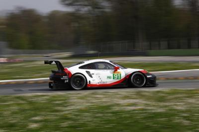 Porsche 911 rsr 91 porsche gt team richard lietz frederic makowiecki
