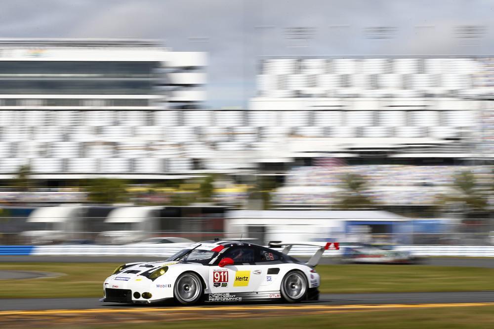 Porsche 911 rsr patrick pilet nick tandy kevin estre