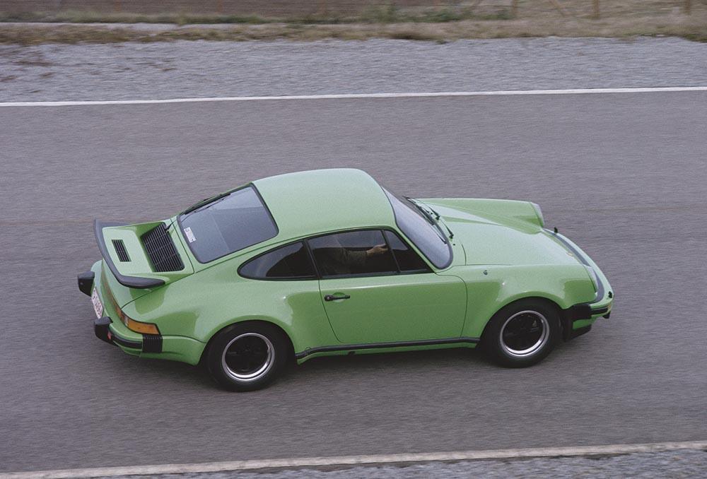 Porsche 930 turbo 3 0 profil vert