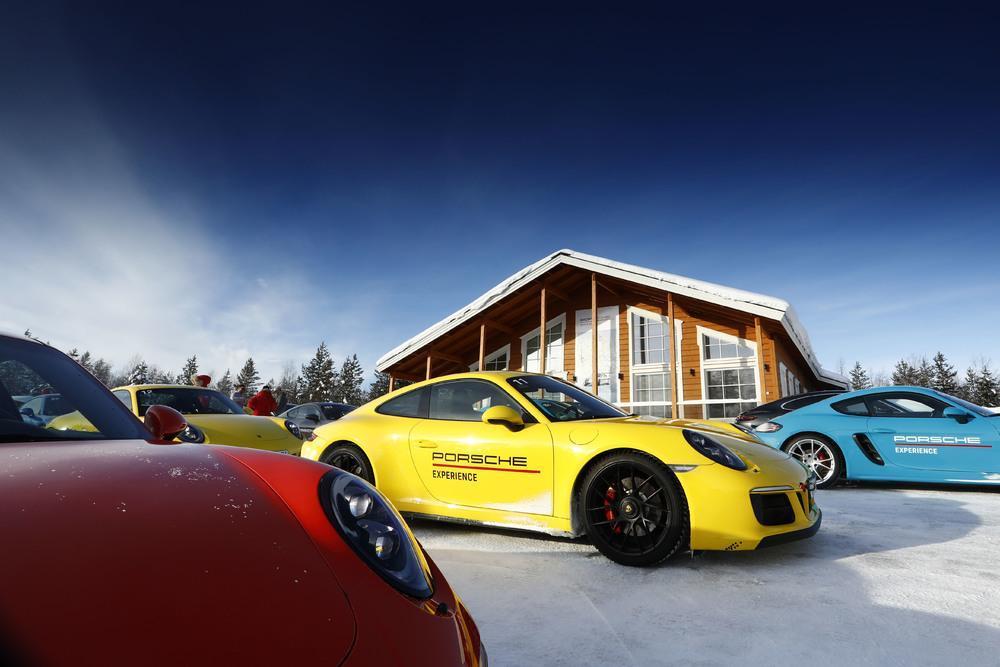 Porsche 991 carrera gts 2