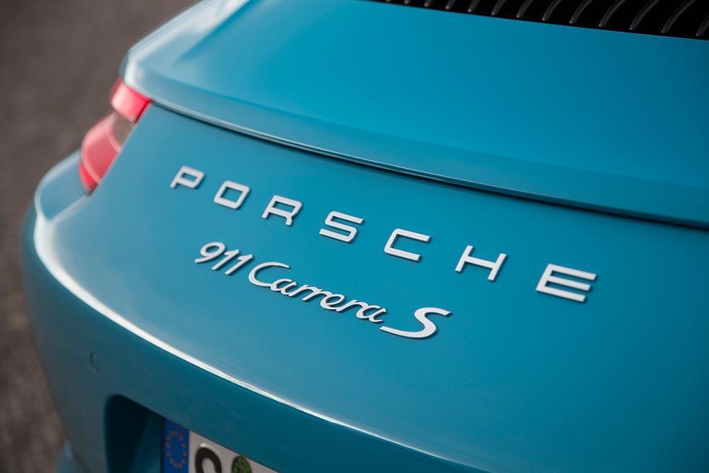Porsche 991 carrera s phase 2 bleu miami logo arriere