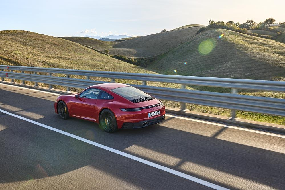 Porsche 992 carrera gts 2