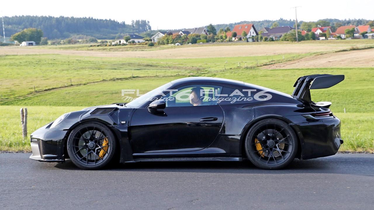 Porsche 992 gt3 rs 4 3