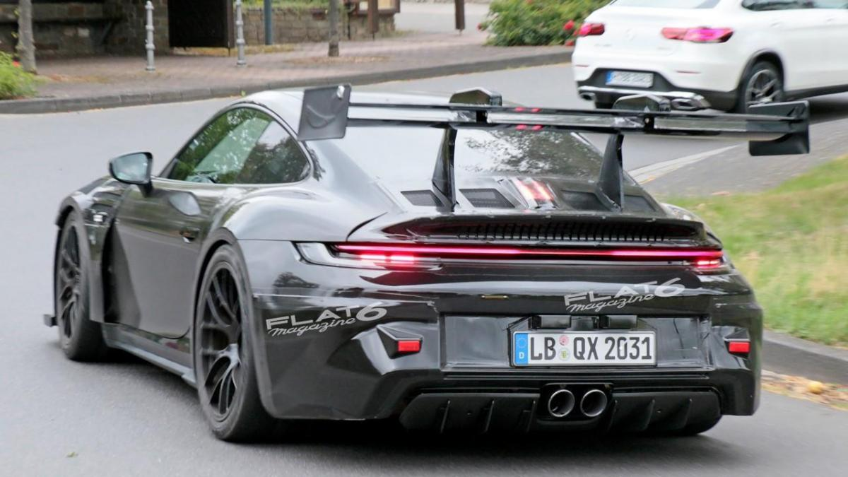 Porsche 992 gt3 rs 5