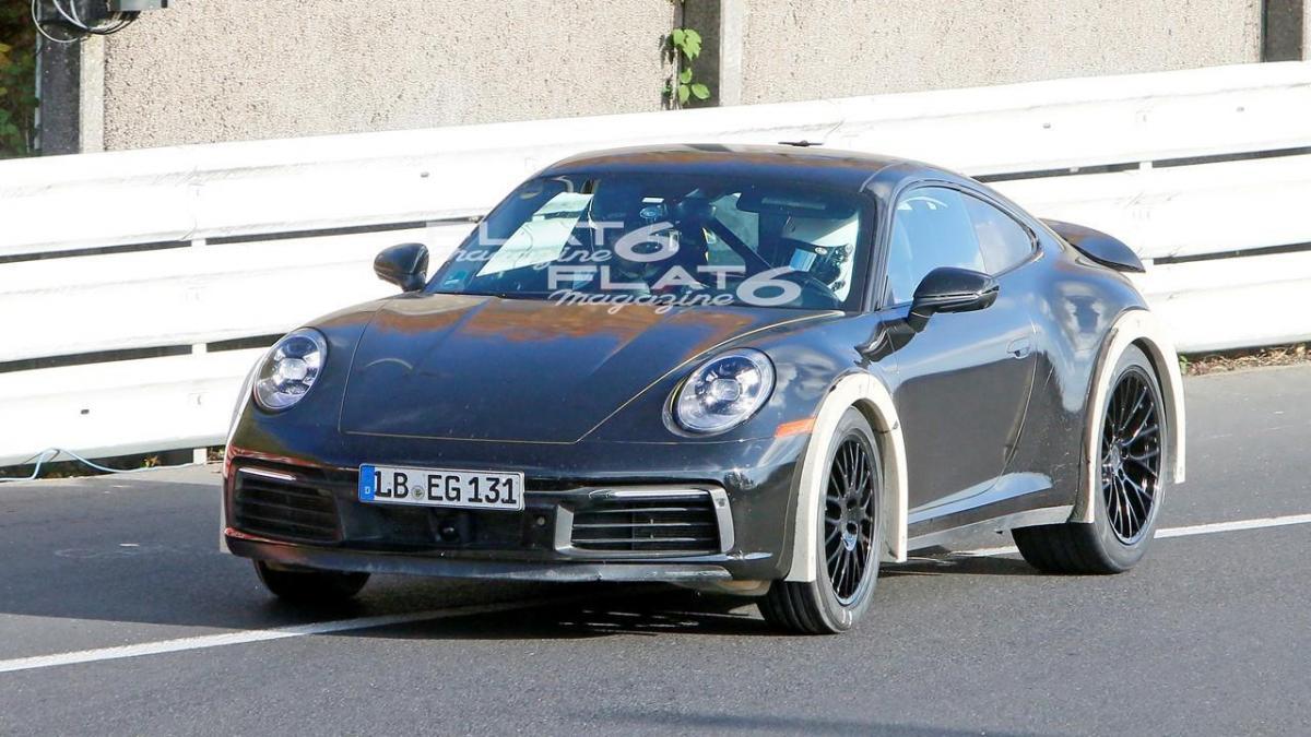 Porsche 992 safari