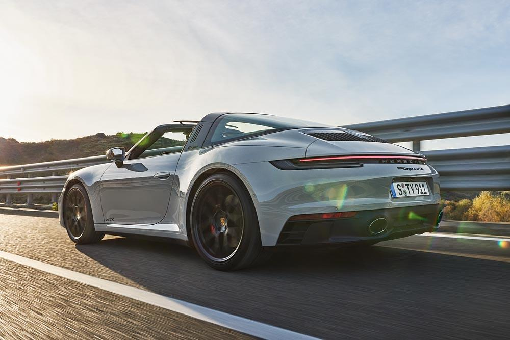 Porsche 992 targa 4 gts 1