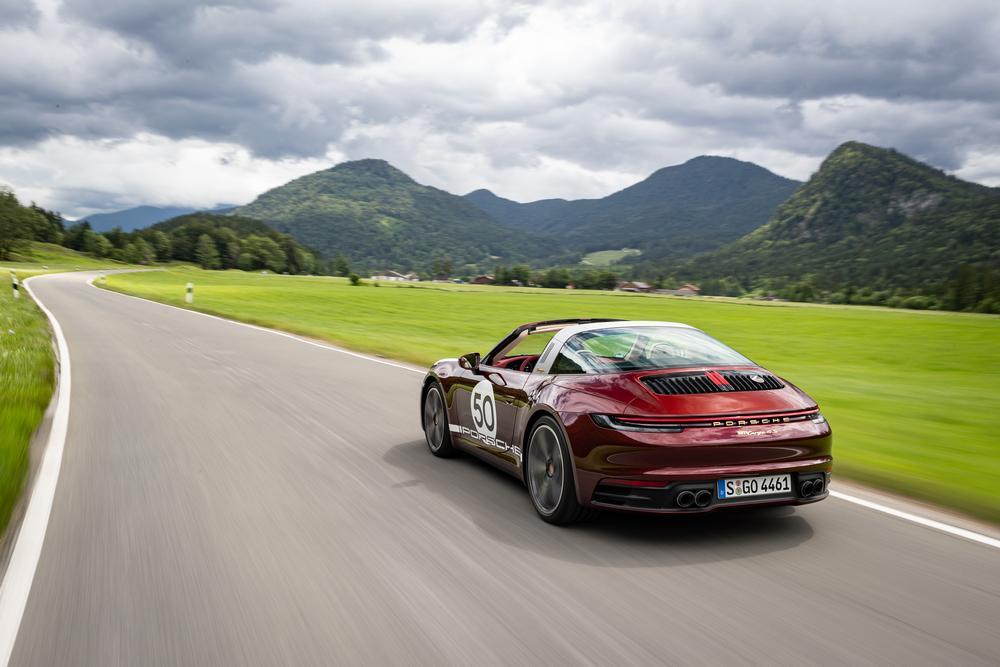 Porsche 992 targa heritage design edition arriere