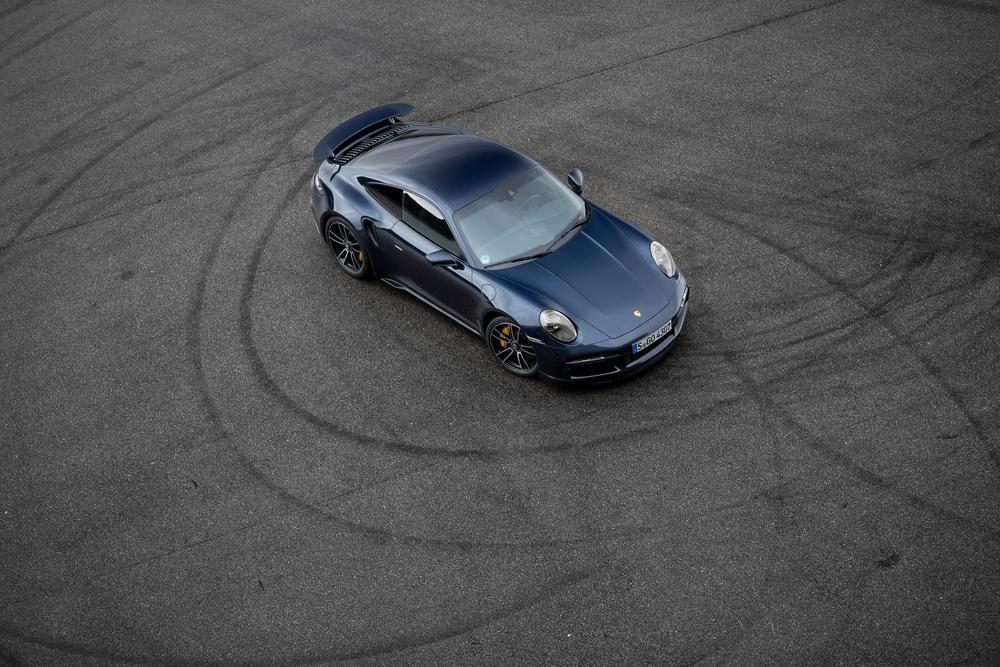 Porsche 992 turbo blue
