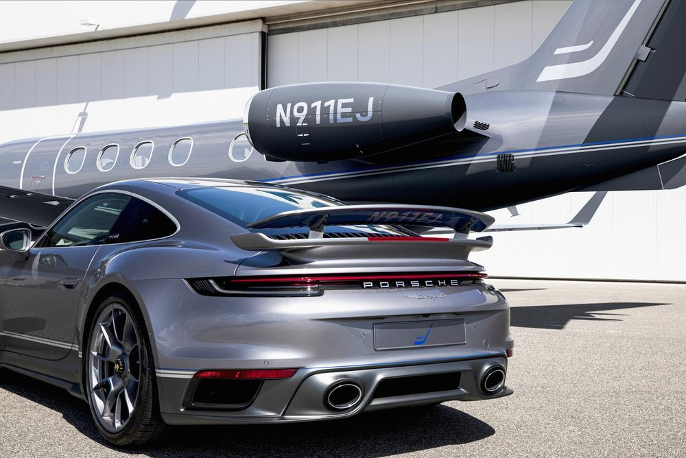 Porsche 992 turbo s embraer