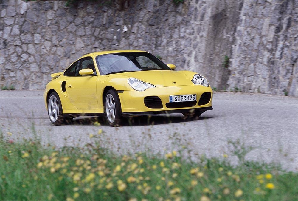 Porsche 996 turbo jaune avant