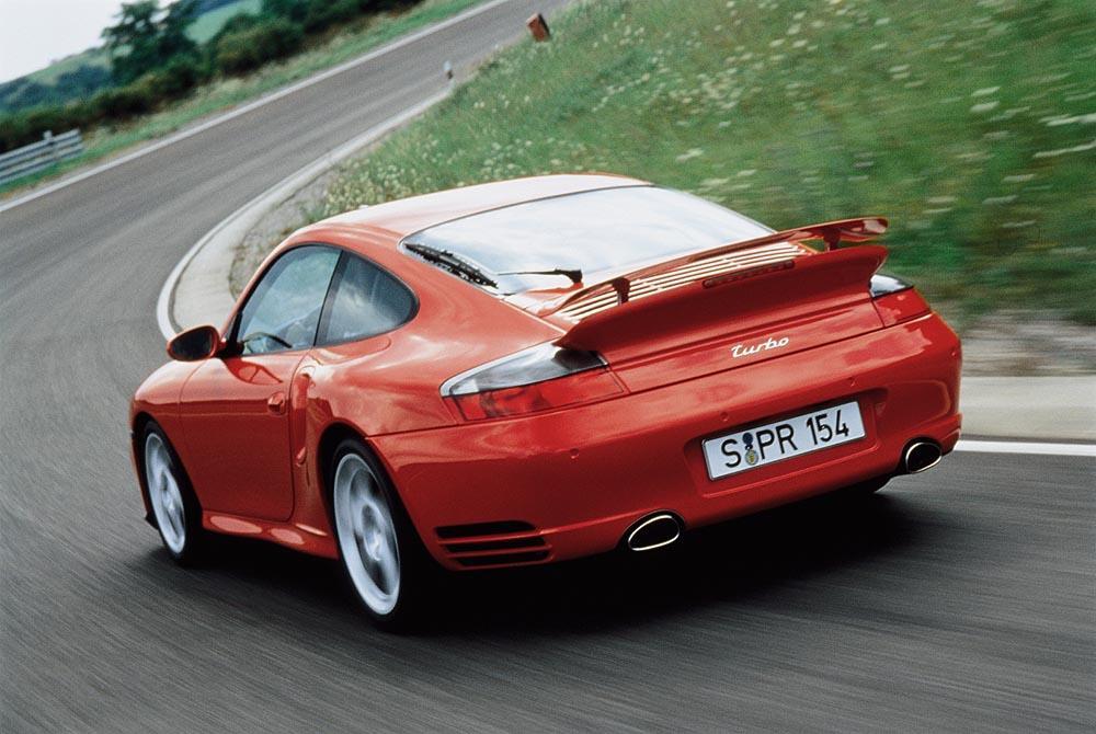 Porsche 996 turbo rouge arriere