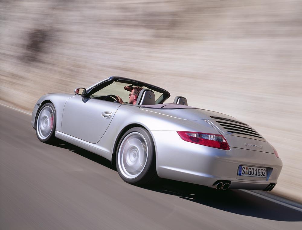 Porsche 997 cabriolet gris arriere