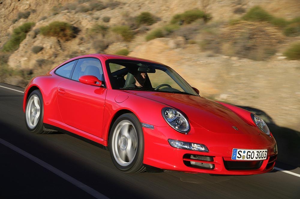 Porsche 997 rouge avant