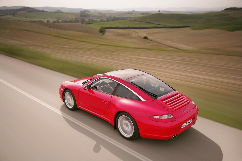 Porsche 997 targa 4 rouge