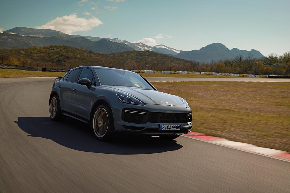 Porsche cayenne turbo gt 2