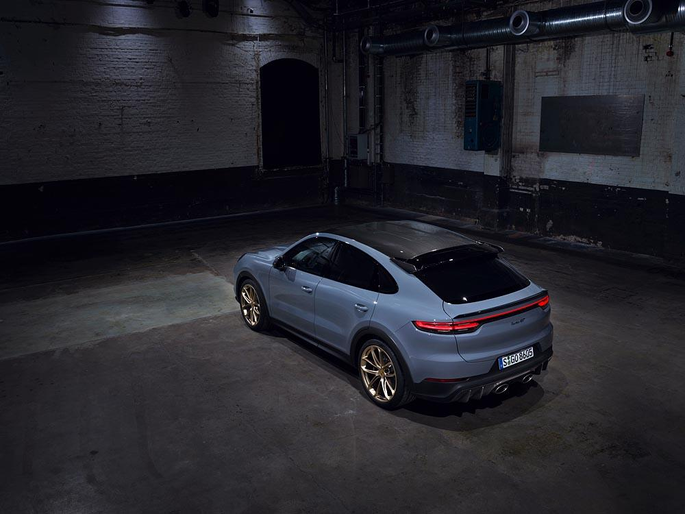 Porsche cayenne turbo gt 4