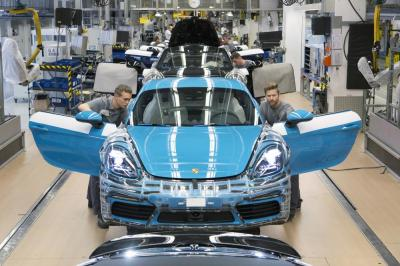Porsche cayman 718 production 3