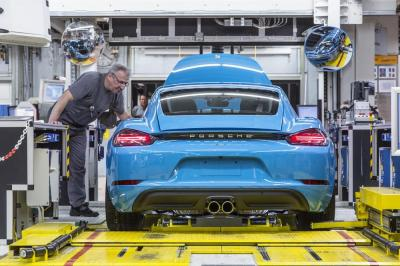 Porsche cayman 718 production 4