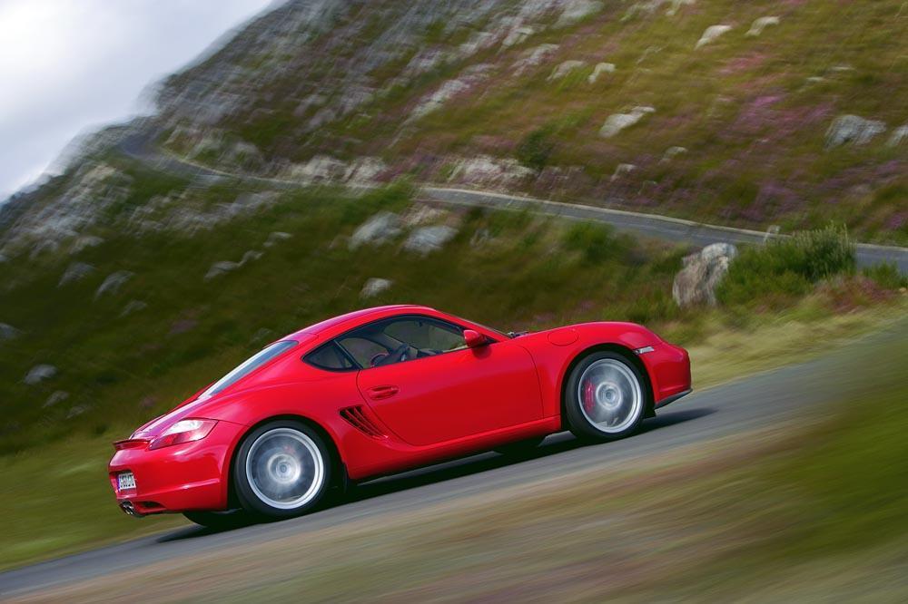 Porsche cayman 987 rouge profil